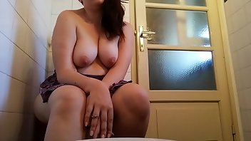 Toilet Boobs MILF Fetish Mom
